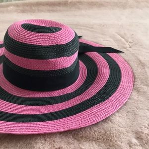 Straw Hat pink and black stripes